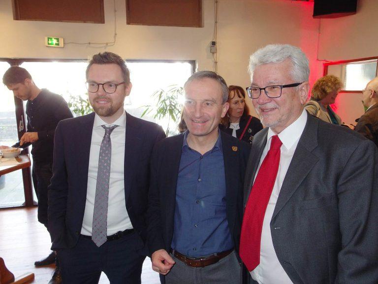 Sebastian Krüger, Mitglied der Bezirksvertretung 5 und Vorsitzender der SPD im Düsseldorfer Norden, Oberbürgermeister Thomas Geisel und Dieter Horne, Vorsitzender der SPD- Fraktion in der Bezirksvertretung 5 (v.l.n.r. )Foto: SO